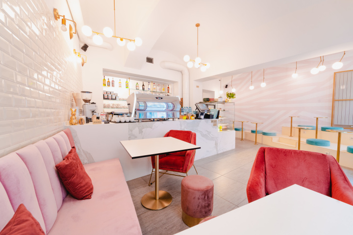 Interiér designové kavárny