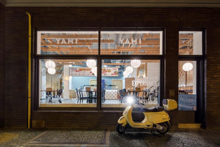 Yami Sushi Bistro - Interiér restaurace - Návrh a realizace interiéru