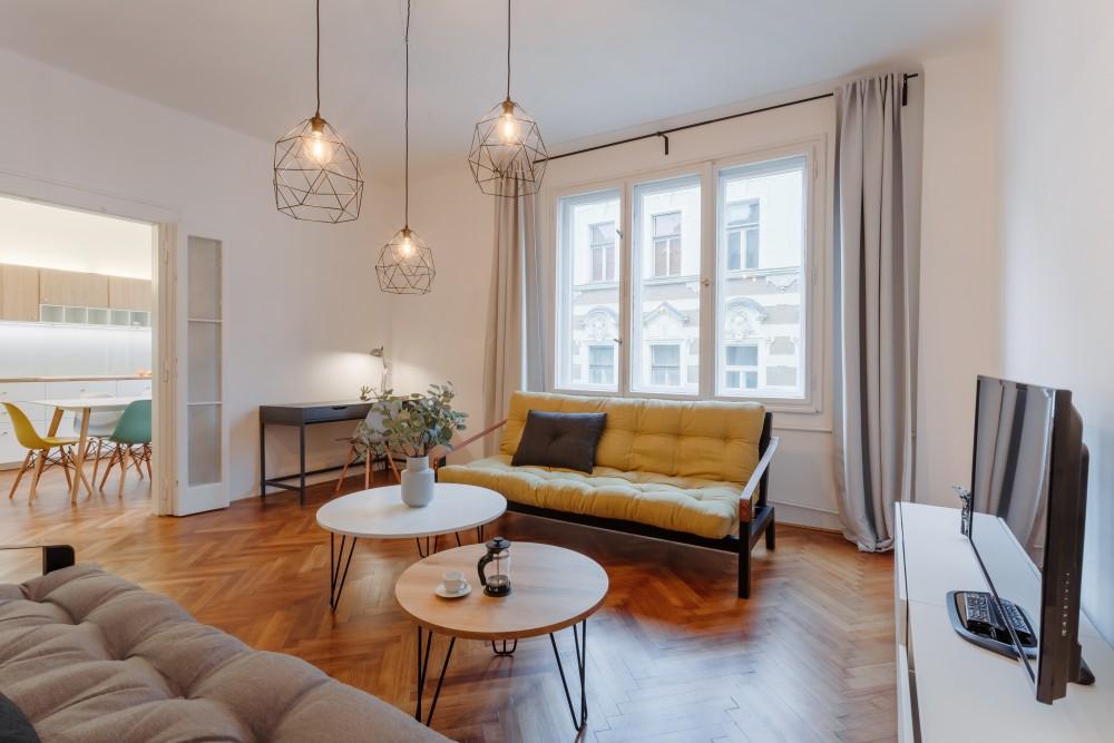 Interiér bytu na pronájem - interiér obývacího pokoje