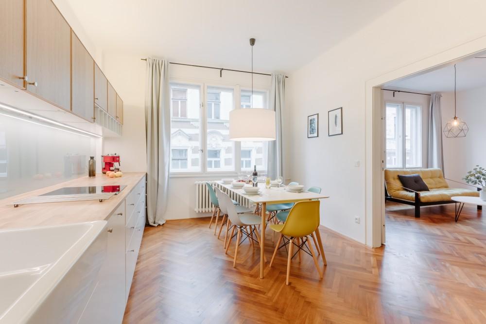 Interiér bytu na pronájem - retro interiér