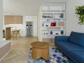 Living room with a kitchenette in three room apartment (Praha Žižkov)